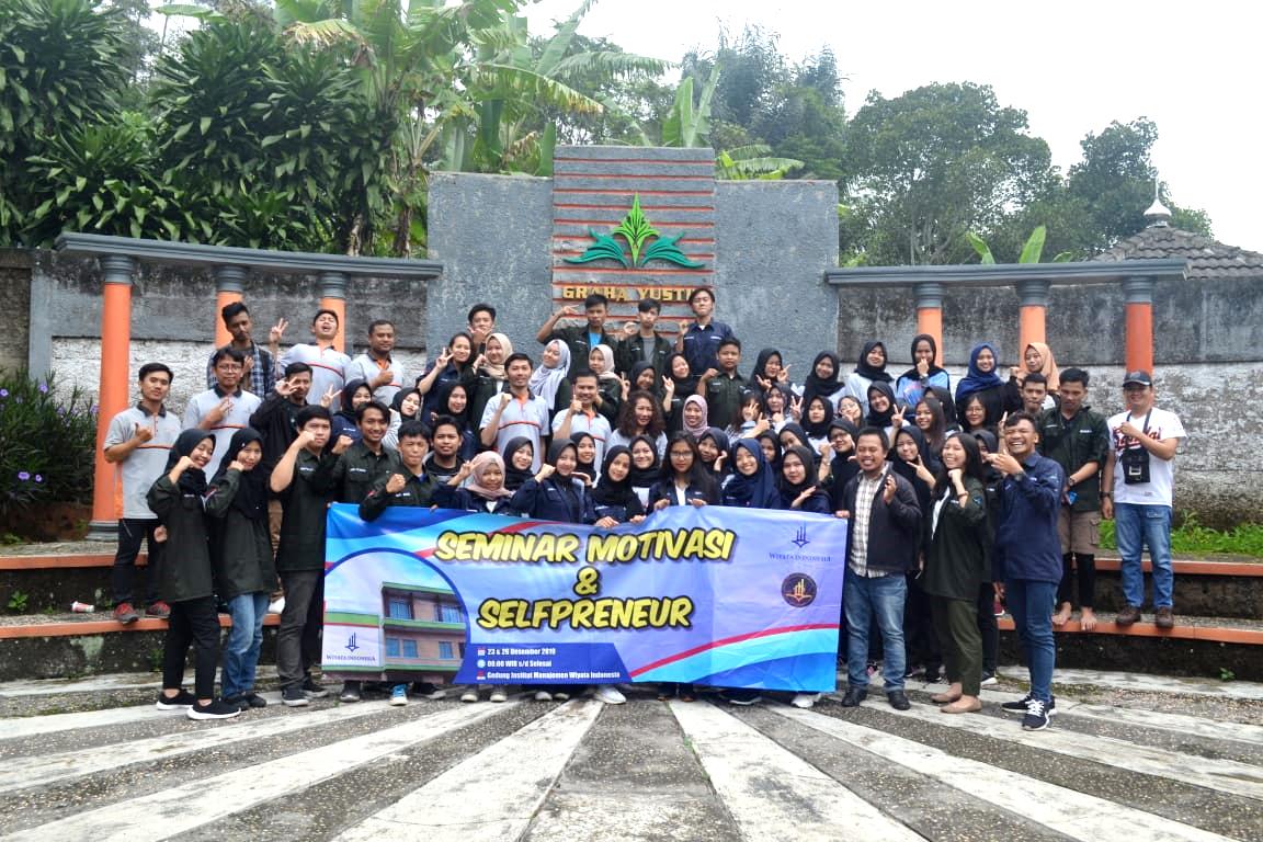Seminar Motivasi Mahasiswa Diakhir Tahun